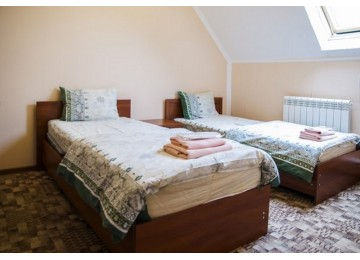Стандарт Эконом 2-местный (Мансарда) |Номера и цены в отеле Альпина Азау