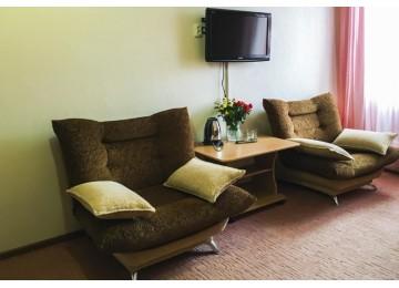 Люкс 2 -местный 2-комнатный|Номера и цены в отеле Альпина Азау